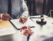 Giám đốc công ty có thể làm kiêm kế toán không?
